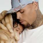 Chris Brown met à l'honneur sa fille Royalty dans le clip « Little more »